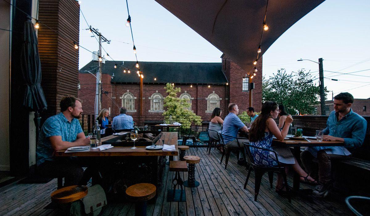 Tips Makan Hemat di Café Rooftop Keywest